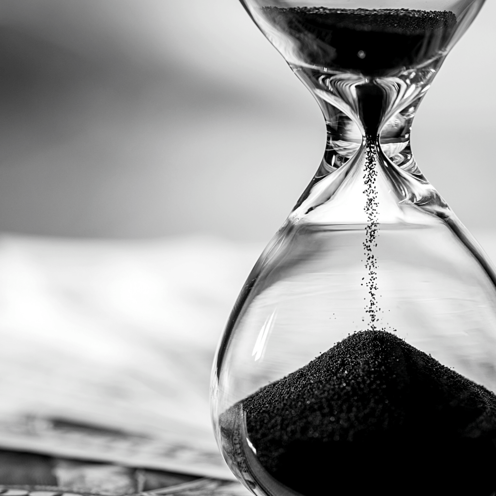 hour glass black and white